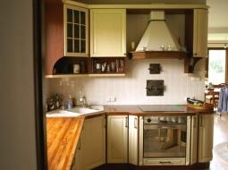 kolorze WANILIA PATYNA w połączeniu z blatami drewnianymi NATURALNY PALISANDER dało oczekiwany bardzo dobry efekt.